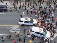 VIDEO. Revoltă la New York. Momentul în care Poliția întră cu mașinile în protestatari
