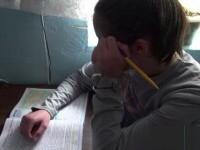 Drama lui Nicuşor, un copil de 14 ani bătut şi pus la munci grele zilnic de părinți. \