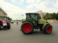Fermierii au protestat cu tractoarele la Parlament. Ce le reproșează autorităților