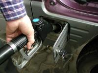 Raport oficial: pretul benzinei a fost marit nejustificat