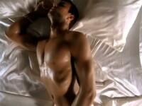 Enrique Iglesias se masturbeaza intr-un videoclip! Vezi VIDEO!