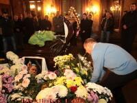 Omagiu adus de politicieni, colegului sau adversarului Adrian Paunescu