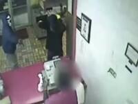 Un vanzator s-a luptat eroic cu talharul, pana l-a alungat din magazin