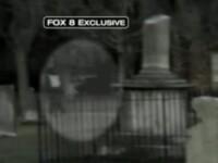 Infricosator! A filmat fantoma unui copil alergand printr-un cimitir!