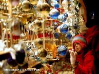 Targul de Craciun din Piata Unirii aduce zilnic bucurii. In weekend va avea loc un concert inedit