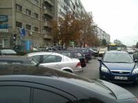 Criza locurilor de parcare face ca tupeul sa-si atinga punctul maxim in Capitala. FOTO