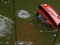 Masina cazuta in Lacul Floreasca. A fost recuperat trupul soferului