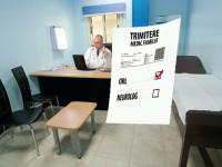 CAMERA ASCUNSA: Frauda cu biletele de trimitere. Cat castigau doi medici din consultatii fictive