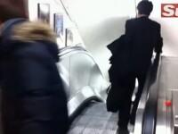 Singur impotriva scarilor rulante. Aventura unui om de afaceri beat, in metroul din Londra. VIDEO