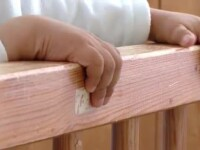 Abandonati de doua ori. Copiii uitati in spitale nu pot fi operati in lipsa unor tutori legali