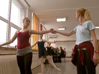 Fara caldura, clase sau dusuri. Cate trebuie sa indure un elev care vrea sa faca balet in Romania