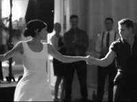 Un cuplu si-a uimit invitatii la nunta. Au reeditat o scena dintr-un film celebru