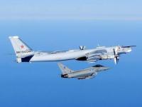 Marea Britanie a interceptat un bombardier rus care se apropia de spatiul sau aerian. Reactia NATO la incidentele recente
