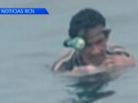 Un pescar din Columbia a plutit doua zile in Oceanul Pacific ajutat de o lada frigorifica mica. Cum a fost descoperit