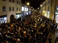 Mitingul celor din Sibiu dupa victoria lui Klaus Iohannis, filmat cu o drona. VIDEO