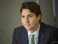 Prim-ministrul canadian Justin Trudeau, vedeta unei fotografii de nunta, pe o plaja din Canada. Ipostaza in care apare
