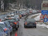 Trafic de cosmar pe DN1, unde s-au format coloane de masini pe mai multi kilometri din cauza numarului mare de turisti