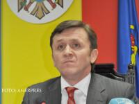 Un inalt oficial moldovean, filmat in timp ce sarea la bataie intr-un club din Chisinau. Reactia sotiei: