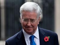 Ministrul britanic al Apărării a demisionat, după un scandal de hărţuire sexuală