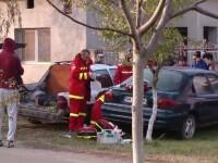 Tânăr strivit de maşină, după ce s-a băgat sub ea să o repare
