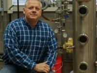 Un producător de whisky care scrie cărţi erotice despre Bigfoot, ales în Congresul SUA