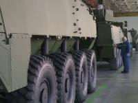 România începe să producă blindate Piranha 5. Armata a comandat deja sute de transportoare