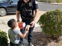 Un copil de culoare a sunat la poliţie, în SUA, şi a comandat un burger. Ce a urmat