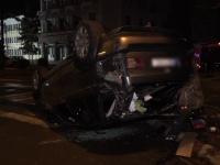 Două mașini s-au ciocnit în fața Prefecturii Buzău. Unul dintre șoferi era polițist