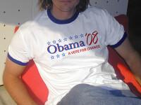 Impuscat la Londra pentru ca purta tricou cu chipul lui Barack Obama