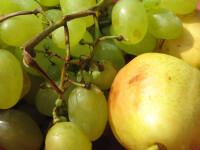 Fructe vandute la suprapret, in chioscurile de langa scoli