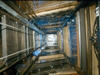 S-au prabusit 9 etaje in gol cu liftul de la maternitatea din Sofia