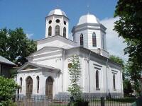 Scandal intr-o comuna din Dambovita, din cauza dracilor pictati in biserica