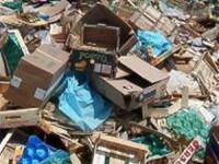 4 remorci de gunoaie au strans dintr-un apartament cei de la Salubritate