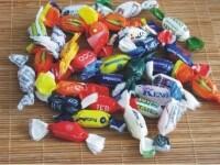 Urme de melamina, descoperite in bomboane distribuite in Cehia