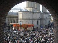 Mii de crestini s-au inchinat deja la moastele Sfintei Parascheva!