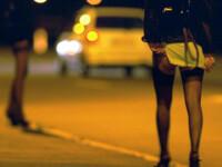 Ziua vindea shaorma, iar noaptea facea trafic de persoane!