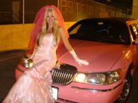 A dat un milion de dolari pe operatii ca sa arate ca Barbie!
