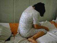 Fata de 13 ani, violata de tatal vitreg! Mama ei n-a spus nimic, de rusine!