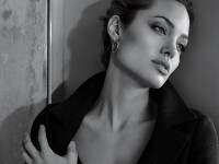 Angelina Jolie a pus ochii pe Johnny Depp?!