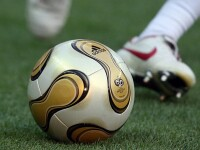 Un fotbalist nigerian a lesinat pe teren si a murit