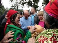 Basescu: Problema romilor se rezolva printr-o politica europeana; nu intr-o zi, punandu-i in avion