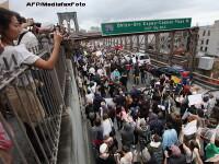 Miting la New York impotriva crizei. Peste 700 de persoane, arestate. Podul Brooklyn, inchis. VIDEO