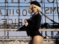 Rihanna, din nou in ipostaze provocatoare