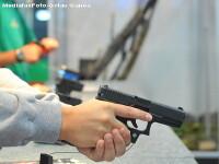 Atac armat in Resita. Tanar amenintat si jefuit in plin trafic
