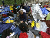 Manifestantii de pe Wall Street, amenintati cu evacuarea din piata pe care o ocupa de o luna