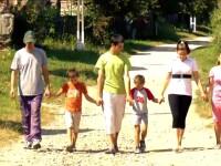 Romania, te iubesc:Dupa 4 ani ne-am intors la copiii din campania
