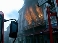 VIDEO. Incendiu in Centrul Vechi al Capitalei. 3 persoane, spitalizate. Ce pagube au adus flacarile