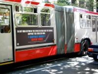 Intre incitare la violenta si libera exprimare. Reclama contra musulmanilor de pe autobuzele din SUA