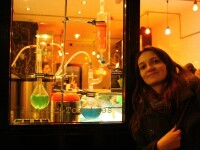 Silvia Nagy - Pasionata de sporturi extreme,isi face doctoratul in cea mai ciudata teorie din fizica