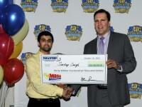 La scurt timp dupa ce a fost parasit de iubita, un barbat a castigat 30 de mil. de dolari la loterie